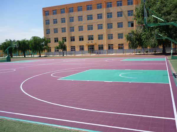 东莞实yan学校悬fu地板篮球场