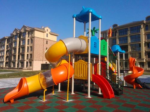 南宁小区儿童组合hua梯及安全地垫