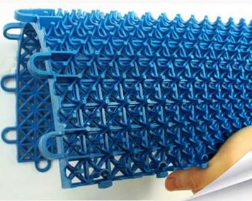 幼儿园悬fupin装di板-软质防滑悬fudi板