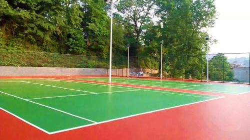 贵zhou都匀中学2片硬di丙烯suan网球chang